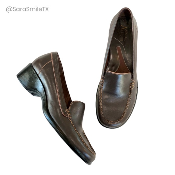 NWOT {CLARKS ARTISAN COLLECTION} Leather Loafers